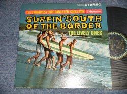 画像1: THE LIVELY ONES And Surf Mariachis  - SURFIN' SOUTH OF THE BORDER (Ex+++/MINT) / 1963 US AMERICA ORIGINAL STEREO Used LP