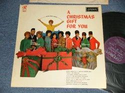 """画像1:  VA (CRYSTALS+RONETTES+DARLEN LOVE+More) - A CHRISTMAS GIFT FOR YOU (MINT-, Ex++/MINT- Looks:Ex+++)  /1963 UK ENGLAND ORIGINAL """"1st Press Label"""" Used LP"""